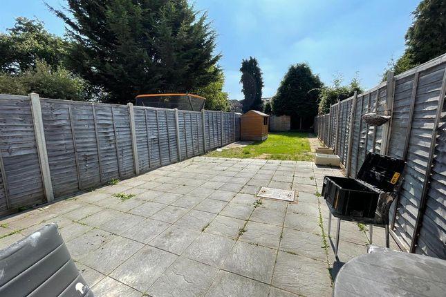 4 bed terraced house to rent in Larmans Road, Enfield EN3