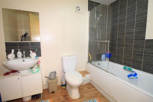 Bathroom of High Point, Noel Street, Nottingham NG7