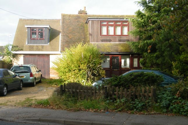 Thumbnail Detached house for sale in Shawfield Road, Ash
