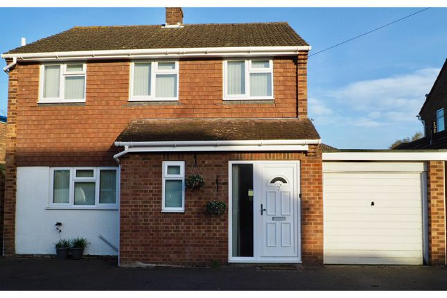 Thumbnail Detached house for sale in Churchill Close, Flackwell Heath