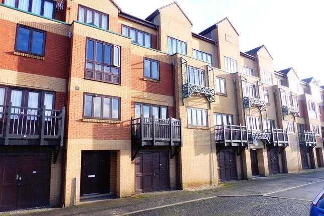 Thumbnail Maisonette for sale in Hyde Park Terrace, Sheffield