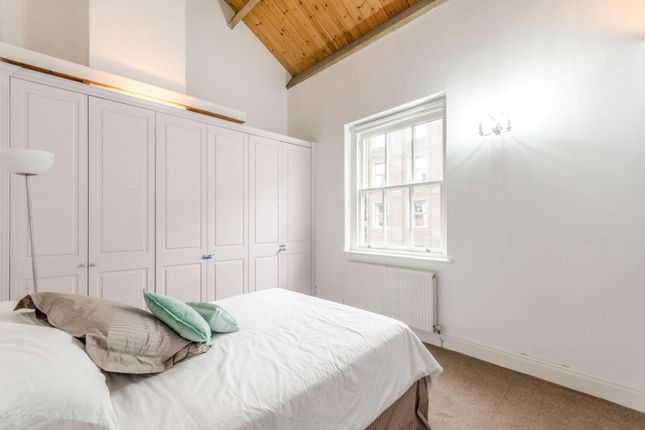 Thumbnail Property to rent in Hardwicke Mews, Finsbury