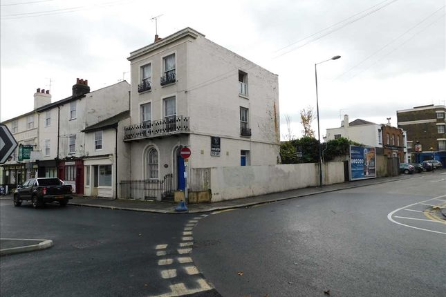 Main Picture of The Terrace, The Street, Cobham, Gravesend DA12