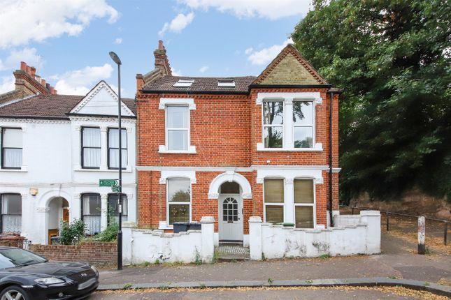 Thumbnail Flat for sale in Sandrock Road, Lewisham