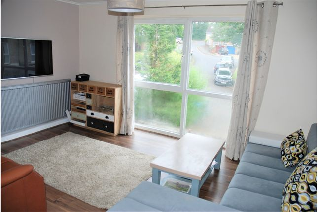 Lounge of Garland Close, Hemel Hempstead HP2