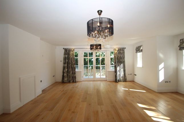 Thumbnail Property to rent in St. Annes Mews, London