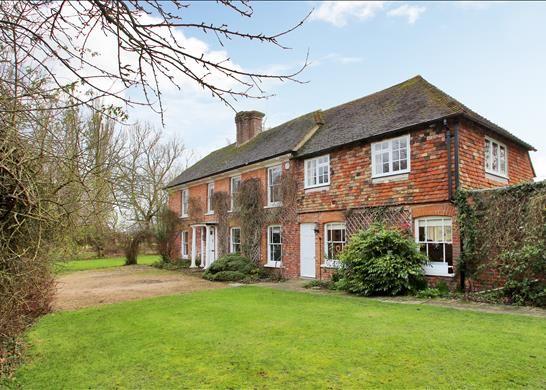 Thumbnail Farmhouse for sale in Bull Lane, Ashford, Kent
