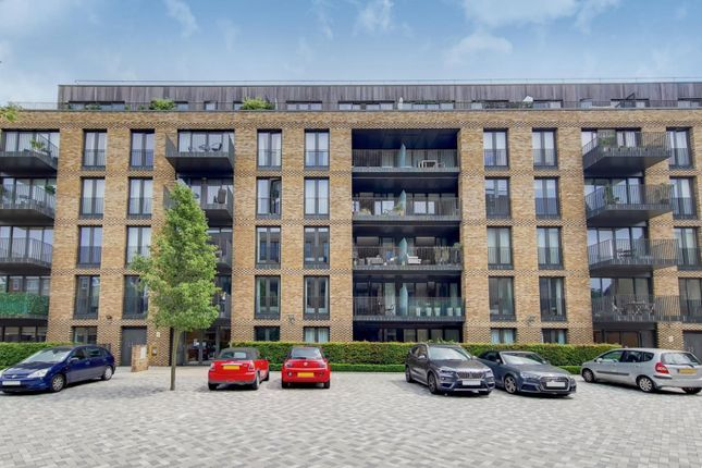 Thumbnail Flat for sale in Cobalt Place, Battersea
