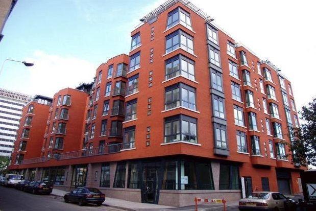 2 bed flat to rent in Bixteth Street, Liverpool