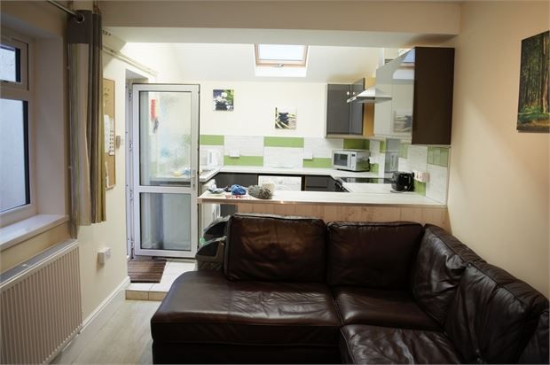 Shared accommodation to rent in Baglan Street, Port Tennant, Swansea