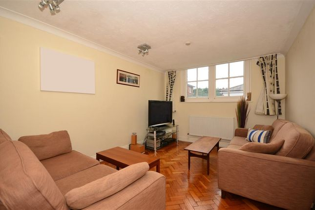 Thumbnail Flat for sale in Poplar Road, Leatherhead, Surrey