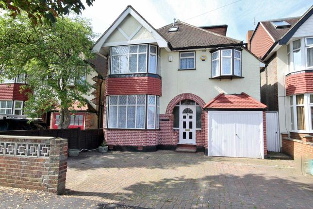 Thumbnail Detached house to rent in Gainsborough Road, New Malden