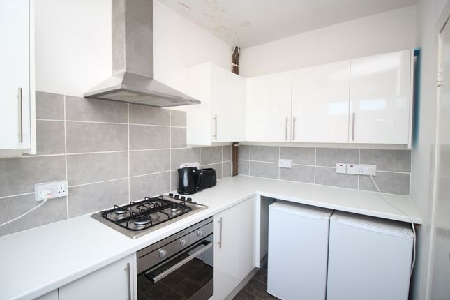 Thumbnail Flat to rent in Palmerston Road, Southsea