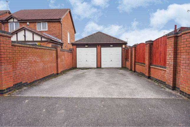 Double Garage of Quarries Way, Kirkby-In-Ashfield NG17
