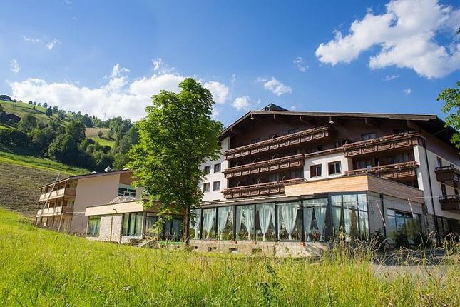 Thumbnail Property for sale in Hotel Victoria, Kaprun, Salzburg, Austria