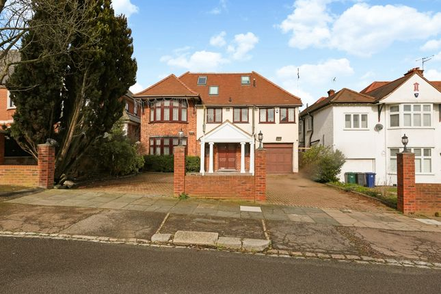Thumbnail Semi-detached house to rent in Buckingham Avenue, London