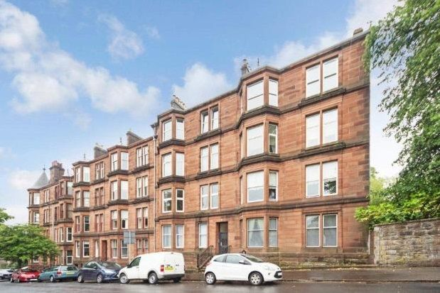 Thumbnail Flat to rent in Robertson Street, Greenock