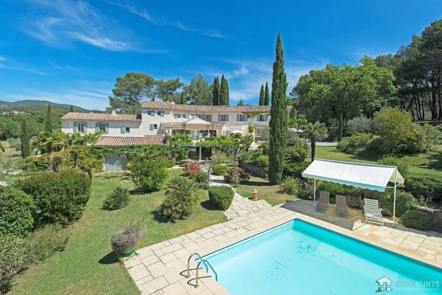 9 bed property for sale in Lauris, Vaucluse, France