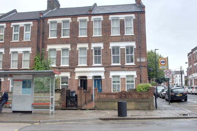 Flat to rent in Coldharbour Lane, London