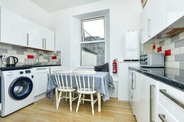 Thumbnail Flat to rent in Clifton Place, Plymouth
