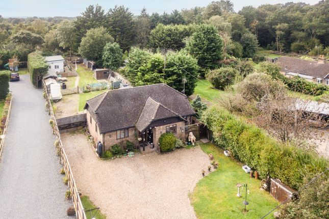 Thumbnail Detached house for sale in Weatherhill Common, Smallfield, Horley