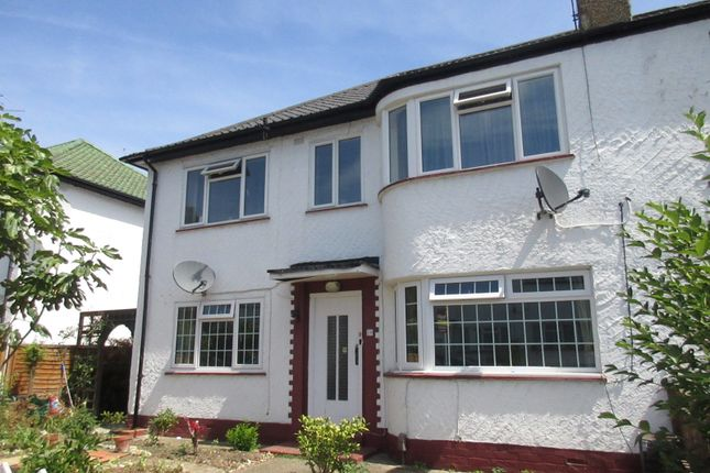 Maisonette to rent in Redesdale Gardens, Isleworth