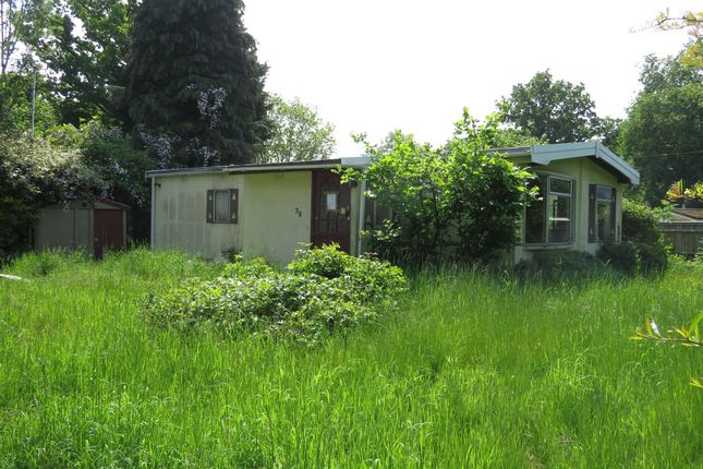 Thumbnail Mobile/park home for sale in Pebble Hill, Radley, Abingdon