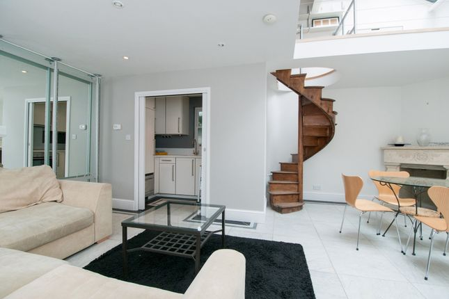 Thumbnail Semi-detached house to rent in Charlton Place, London