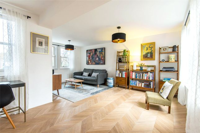 Thumbnail Flat for sale in Clerkenwell Close, London