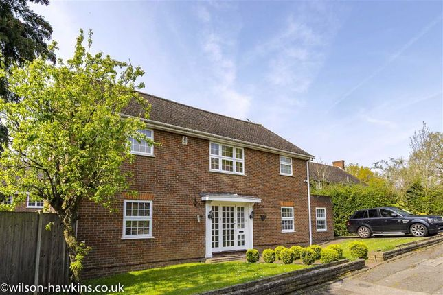 Thumbnail Detached house for sale in Arden Close, Harrow On The Hill, Middlesex