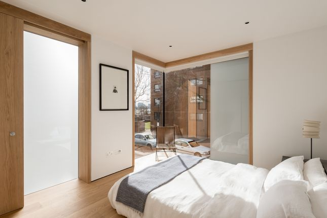 The Modern House - Cheyne Walk (23)