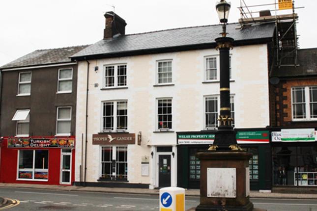 Thumbnail Pub/bar for sale in Mid Wales Coastal Resort LL36, Gwynedd