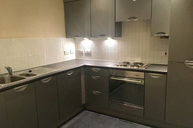 2 bed flat to rent in Bramall Lane, Sheffield