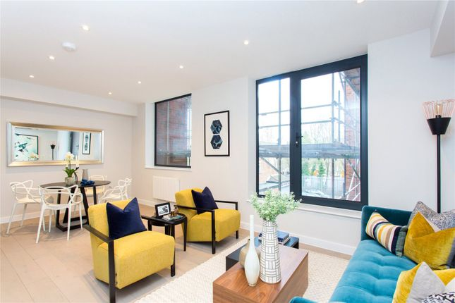 Show Apartment of Solis, 260 Field End Road, Eastcote, Middlesex HA4