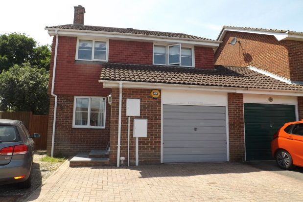 Thumbnail Property to rent in Cacklebury Close, Hailsham