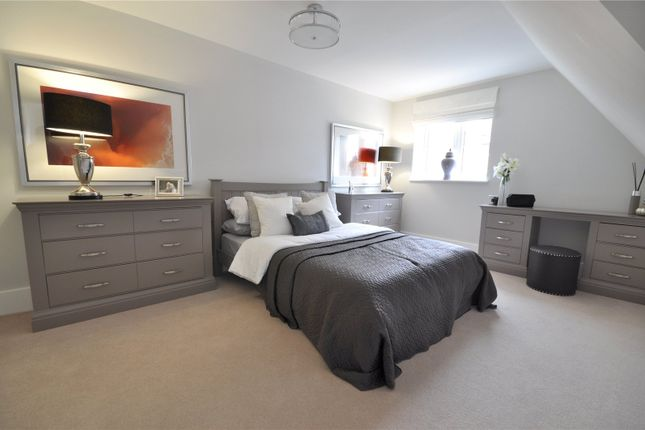 3 bedroom semi-detached house for sale in Faygate Lane, Faygate, Horsham