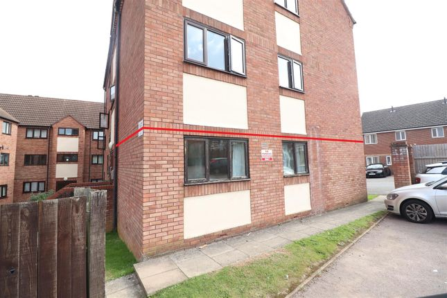 2 bed flat for sale in Spencer Court, Station Road, Rushden NN10
