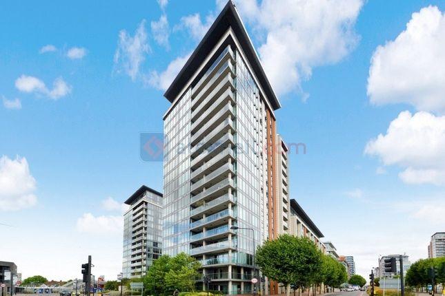 Thumbnail Flat for sale in Western Gateway, London