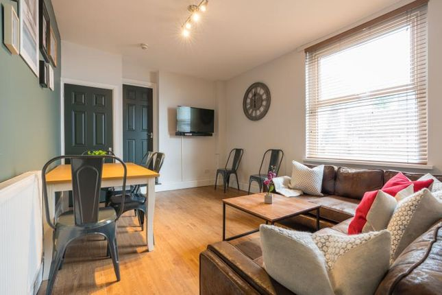 Thumbnail Shared accommodation to rent in Colum Road, Cardiff
