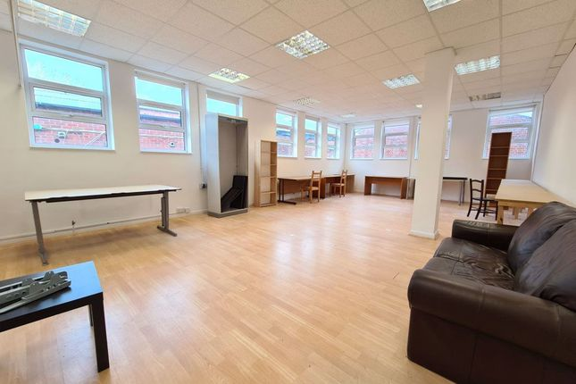 Thumbnail Property to rent in Wells Terrace, London