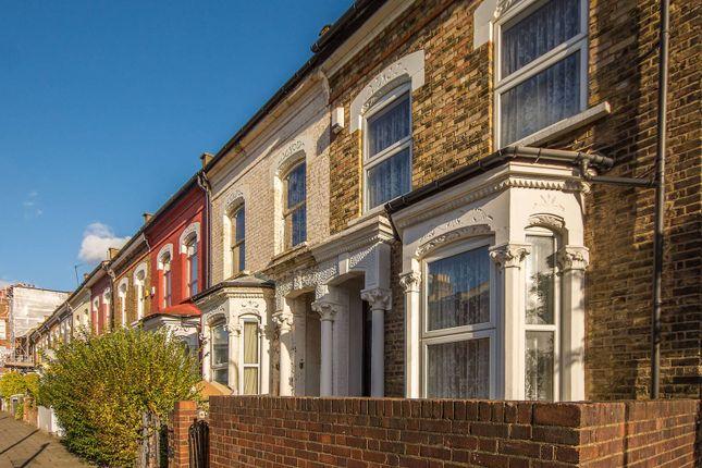 Thumbnail End terrace house for sale in Dynevor Road, Stoke Newington
