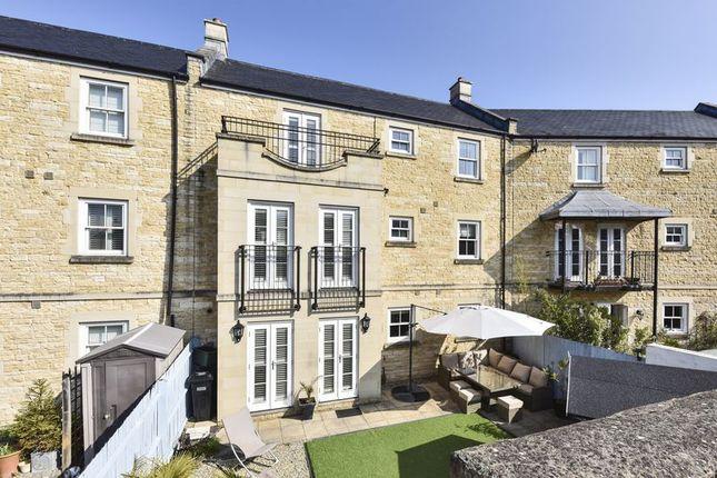 Thumbnail Terraced house for sale in Eveleigh Avenue, Bath