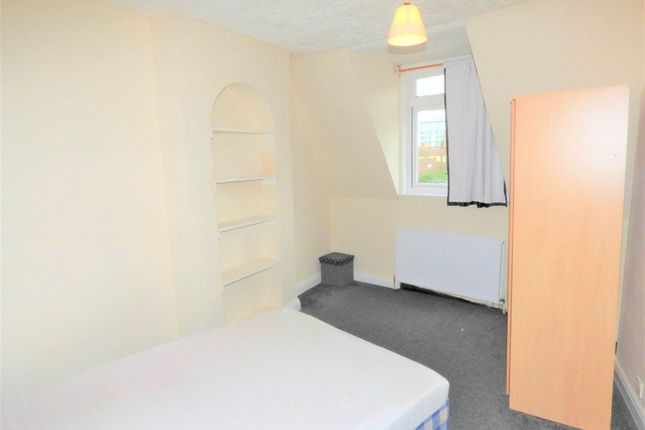 Thumbnail Flat to rent in Station Road, Hayes, Middlesex, United Kingdom