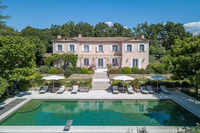 Villa for sale in Saint-Cezaire-Sur-Siagne, French Riviera, France