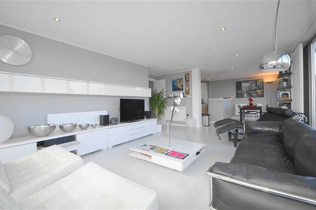 Thumbnail Flat for sale in Rochford Lofts, Rochford, Essex