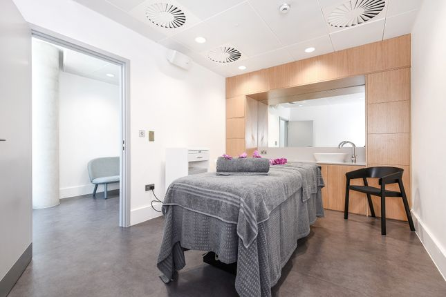 Treatment Room of The Cable, 47 Pilot Walk, Parkside, Greenwich Peninsula SE10