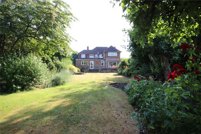 Picture No. 09 of Sauncey Avenue, Harpenden, Hertfordshire AL5