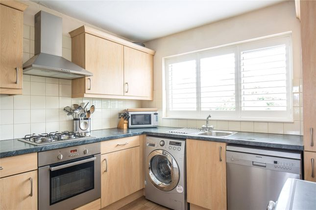 Thumbnail Maisonette for sale in Beverley Close, Winchmore Hill, London