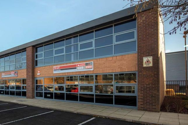 Industrial to let in 878 Plymouth Road, Slough Trading Estate