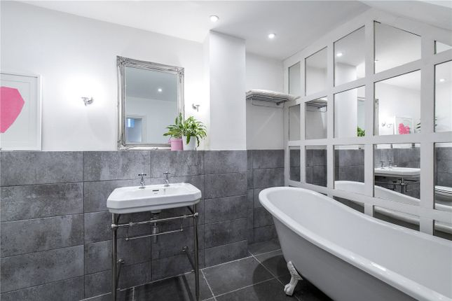 Bathroom of New Park Road, Brixton, London SW2